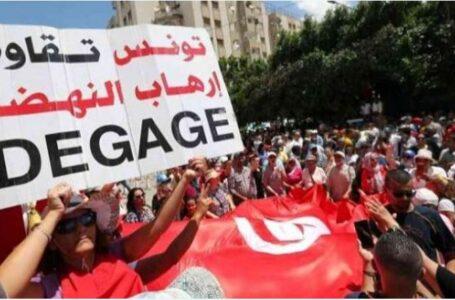 إخوان تونس يواجهون الزلزال باشتباك داخلي